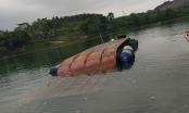 Lật phà chở keo qua sông khiến 1 người chết đuối
