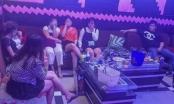 Bất chấp lệnh cấm do Covid-19, karaoke VBox vẫn mở cửa đón khách