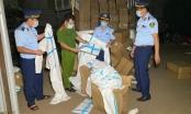 Lào Cai: Bắt giữ hơn 8.600 bộ quần áo bảo hộ y tế không rõ nguồn gốc