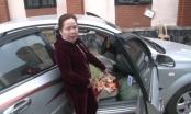 Rùng mình với người phụ nữ ôm hơn 70 kg thuốc nổ trên xe ô tô