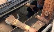 Chốt kiểm tra Covid-19 kịp thời cứu một người đàn ông định nhảy cầu Long Biên tự tử