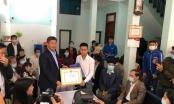 Người hùng Nguyễn Ngọc Mạnh được trao tặng huy hiệu Tuổi trẻ dũng cảm