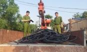 3 đối tượng liều lĩnh khuân hơn 2 tấn dây cáp đồng mang đi bán