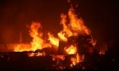 Thanh Hóa: Bão lửa ở kho hàng mây tre đan, hàng trăm công nhân tháo chạy