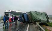 Tai nạn giao thông Plus: Xe khách 42 chỗ bốc cháy, hành khách hoảng loạn