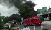 Xe bồn chở xăng bốc cháy trong cây xăng, 3 người thương vong