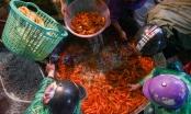 Cảnh tất bật trong khu chợ bán siêu xe tiễn ông Công, ông Táo ở Hà Nội