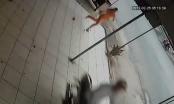 [Clip]: 2 thanh niên táo tợn vào nhà dân cướp xe máy rồi bỏ chạy