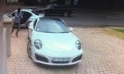 Tài xế Porsche 911 tỉnh táo thoát khỏi tên cướp có vũ khí