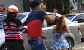 Nam thanh niên cầm mũ bảo hiểm đánh cô gái: Đã đến công an trình diện