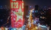 Hà Nội: Tòa cao ốc rực sáng với quốc kỳ cổ vũ đội tuyển U23 Việt Nam