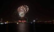 Chiêm ngưỡng pháo hoa mừng kỷ niệm Đà Nẵng trực thuộc trung ương dưới mưa