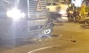 Điều khiển xe máy đâm thủng đầu container, người đàn ông tử vong tại chỗ
