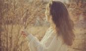 Có một kiểu con gái luôn miệng than ế nhưng lòng lại ngại yêu