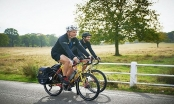 Ngày mai, hai vận động viên đạp xe quanh thế giới giao lưu tại Hà Nội