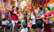 Đắm mình trong không gian Tết tình thân tại Chợ trung thu truyền thống Hà Nội