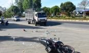 Kom Tum: Va chạm với xe tải, 2 nữ sinh thương vong