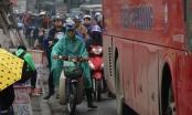 Người dân nô nức về quê, cửa ngõ phía Nam Hà Nội ùn tắc sáng 28 Tết