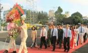 Lãnh đạo TP Long Xuyên viếng tượng đài và Khu lưu niệm Bác Tôn