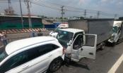 Tai nạn liên hoàn trên QL1, hàng chục xe ô tô dính chặt vào nhau