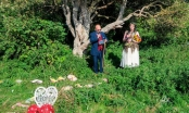 Người phụ nữ tiết lộ cảm giác đặc biệt khi... kết hôn với cây