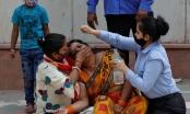 Thế giới ráo riết gửi phao cứu sinh giúp Ấn Độ thoát sóng thần Covid-19