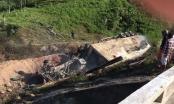 Xe container lao xuống vực cháy rụi, tài xế cầu cứu trong vô vọng