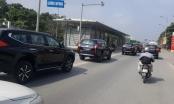 """Hà Nội: Xuất hiện """"dàn xe"""" Mitsubishi không BKS, bật còi hú, lấn làn xe bus nhanh"""