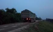 Ba Vì (Hà Nội): Người dân khốn khổ vì nạn xe tải hoành hành, băm nát đường đê