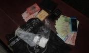 Hà Nam: Bắt quả tang hai đối tượng khai mua gói mà tuý hơn 40 triệu đồng về sử dụng
