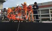 Cứu 2 thuyền viên nước ngoài gặp tai nạn lao động trên biển