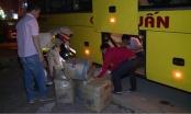 CSGT Hà Tĩnh bắt xe khách vận chuyển hàng lậu