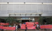 Hòa Bình Green City: Hàng trăm cư dân căng băng rôn đòi sổ đỏ giữa nắng nóng 40 độ