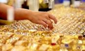 Giá vàng hôm nay 8/8: Thị trường trong cơn điên loạn, giá vàng sẽ leo tới đỉnh cao nào?