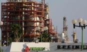 """Lo ngại căng thẳng Mỹ - Trung và """"bão"""" Covid-19, giá dầu giảm mạnh"""