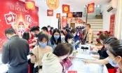 """Giữa trưa ngày vía Thần tài: Giá vàng lao dốc, lượng khách mua bất ngờ """"tăng nhiệt"""""""