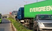 Cận cảnh hiện trường vụ tai nạn liên hoàn trên cầu vượt ngã tư Thủ Đức