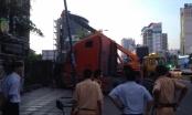 TP HCM: Xe container lao vào nhà dân rồi bốc khói dữ dội