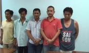 TP HCM: Tạm giữ 5 con bạc đang sát phạt trong nhà