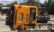 Bình Dương: Nhiều người bị thương sau khi xe khách rụng bánh nằm phơi bụng giữa đường