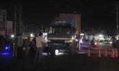 Bình Dương: Xe container ôm cua cuốn xe đạp vào gầm, bé trai nguy kịch