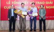 Nhà thơ, nhà phê bình văn học nghệ thuật nói gì sau ồn ào giải Thơ Việt