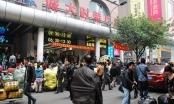 """Hàng chợ Trung Quốc """"đeo"""" mác D&G, Gucci"""