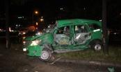 Chiếc taxi bị xe đầu kéo tông nát bét, tài xế tử vong