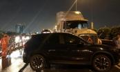 Tai nạn trên cao tốc, nhiều người thoát chết, giao thông tê liệt