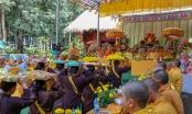 Dâng hương tại đền thờ Bác Hồ và Vu lan cho đồng bào dân tộc