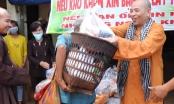 Tặng quà hỗ trợ đồng bào dân tộc S'tiêng chống dịch Covid-19