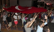 """Lãnh đạo thế giới kêu gọi """"chấm dứt bạo lực"""" sau cuộc đảo chính ở Thổ Nhĩ Kỳ"""