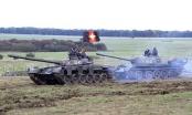 Quân đội Anh mượn xe tăng Nga để tập trận
