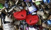 """Paris bán 65 tấn """"khóa tình yêu"""" nhằm quyên góp cho người nghèo"""